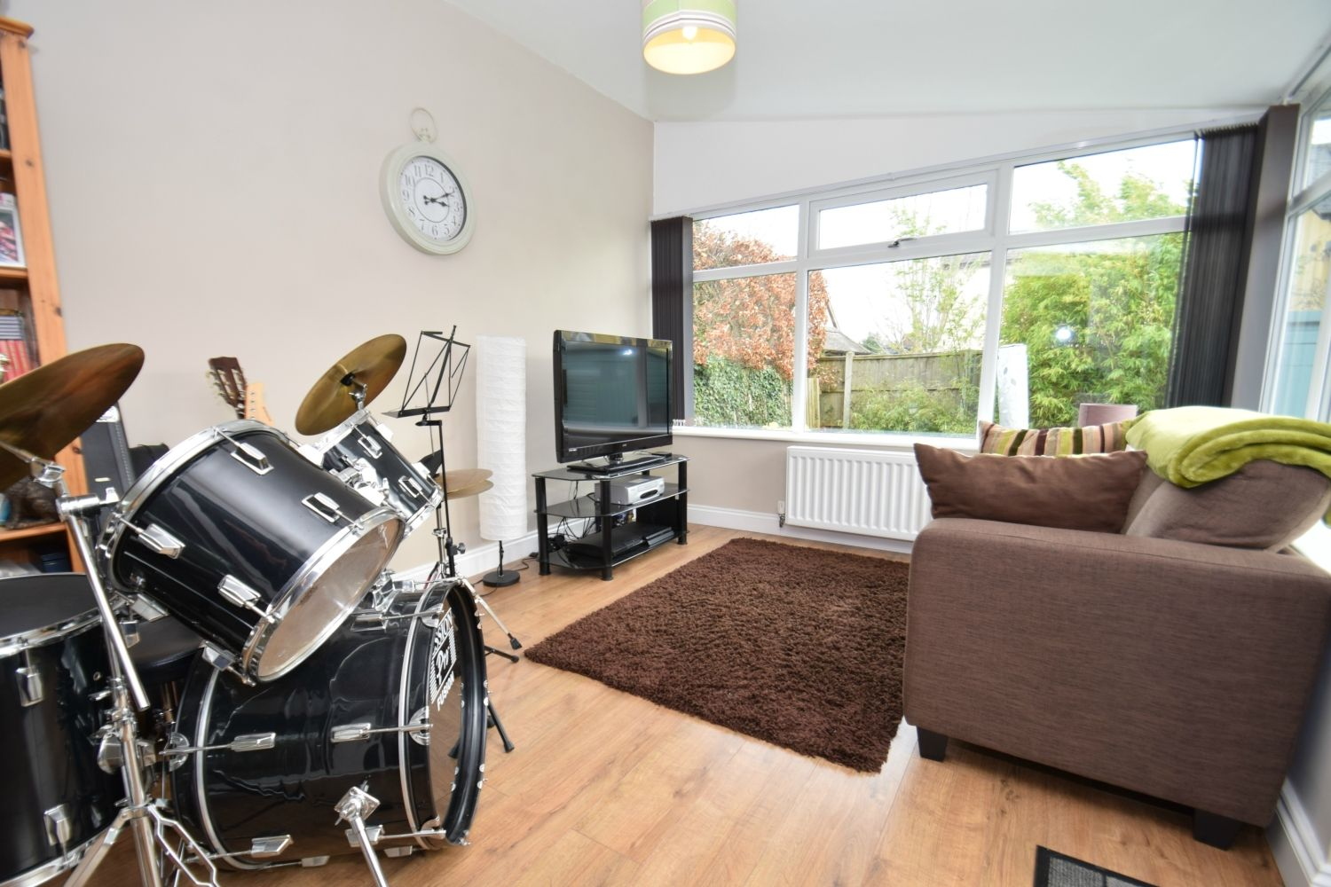 3 bed detached for sale in Foxes Close, Blackwell, B60 8