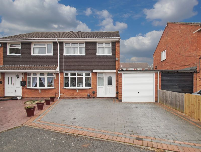 3 bed house for sale in Newent Close - Property Image 1