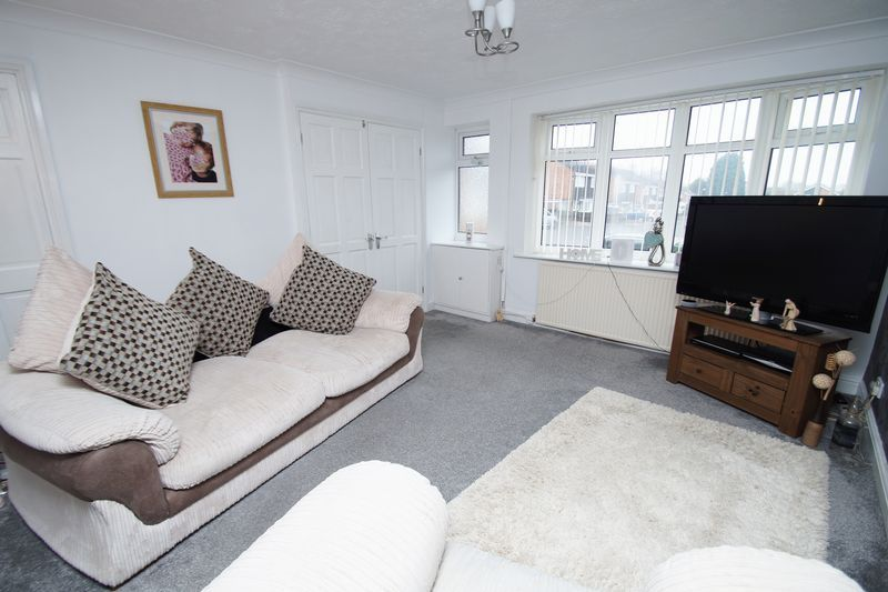 3 bed house for sale in Newent Close 3