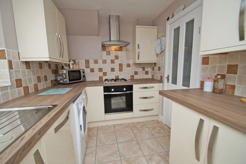 3 bed house for sale in Newent Close 7