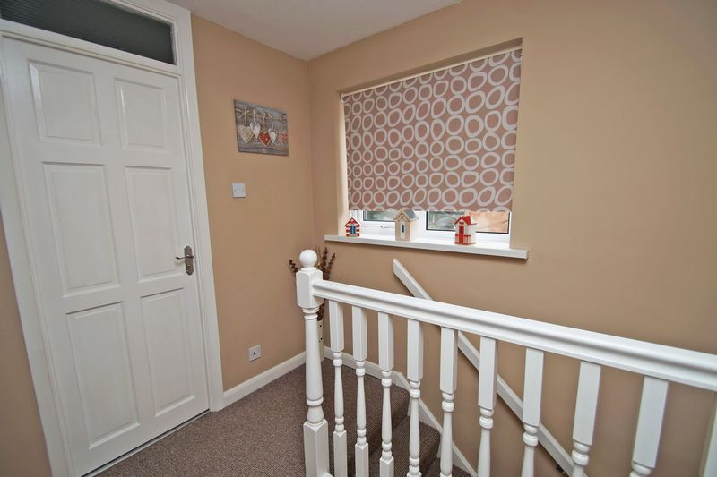 3 bed house for sale in Newent Close 8