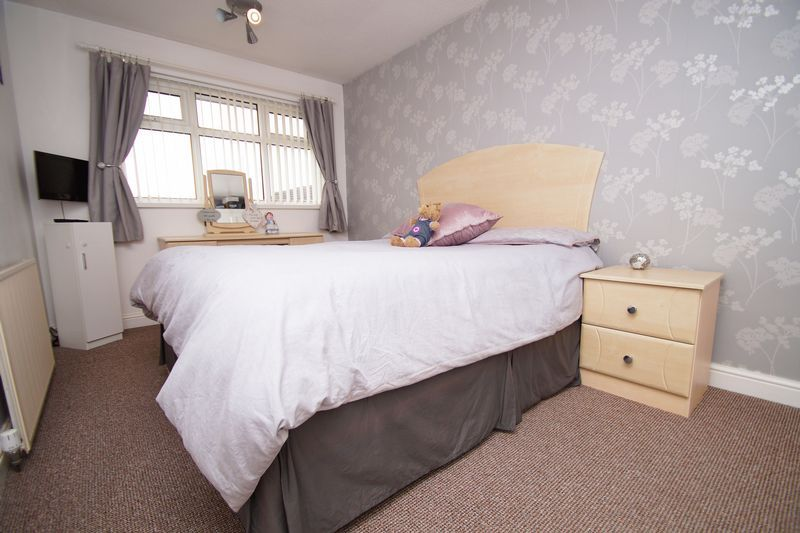 3 bed house for sale in Newent Close 9
