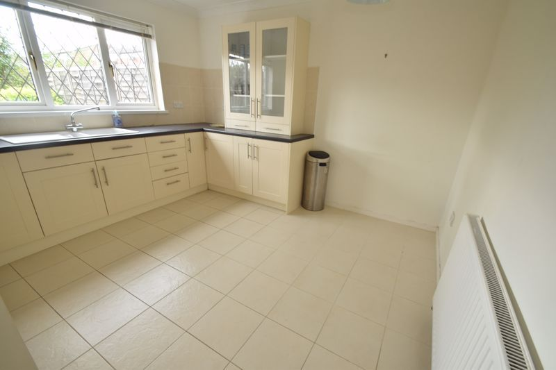 2 bed house to rent in Ibstock Close 5