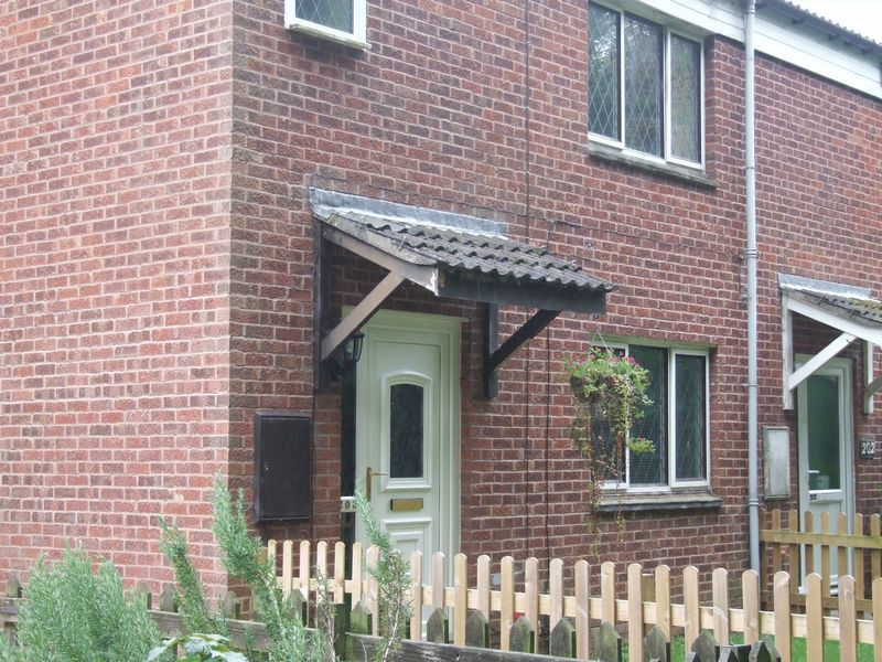 2 bed house to rent in Ibstock Close 10