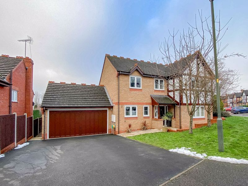 4 bed house for sale in Crownhill Meadow - Property Image 1