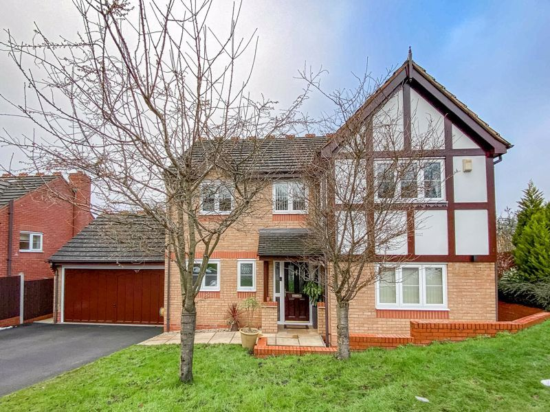 4 bed house for sale in Crownhill Meadow  - Property Image 2