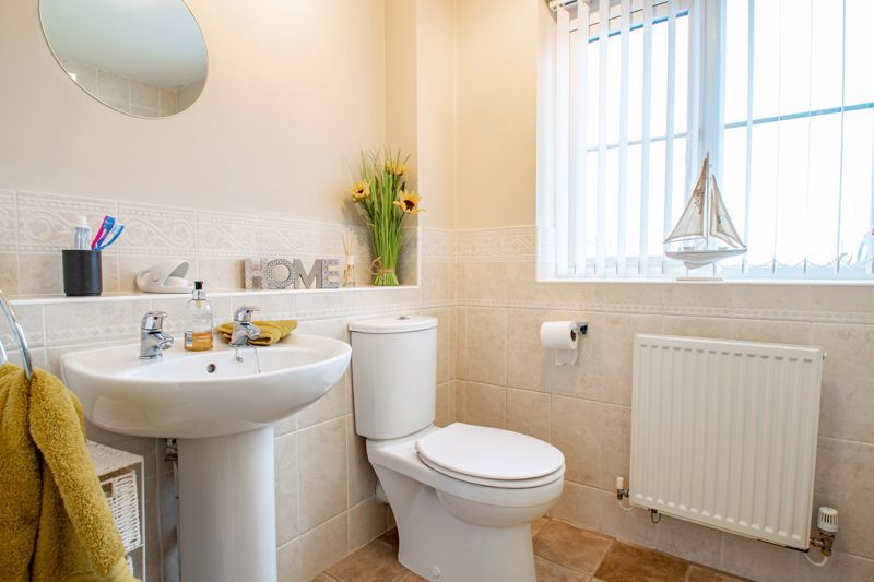4 bed house for sale in Crownhill Meadow 16