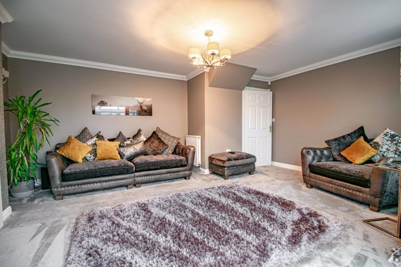 4 bed house for sale in Crownhill Meadow  - Property Image 3