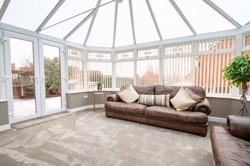 4 bed house for sale in Crownhill Meadow  - Property Image 5