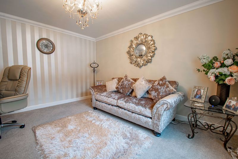 4 bed house for sale in Crownhill Meadow  - Property Image 8