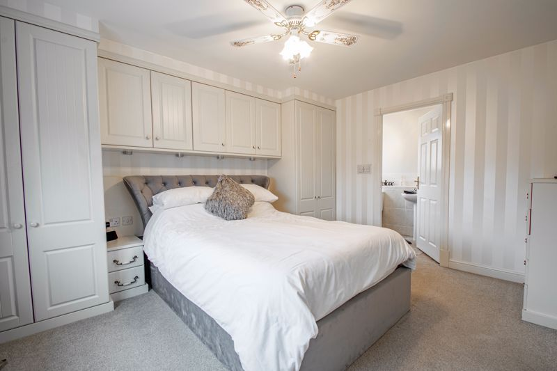 4 bed house for sale in Crownhill Meadow  - Property Image 9
