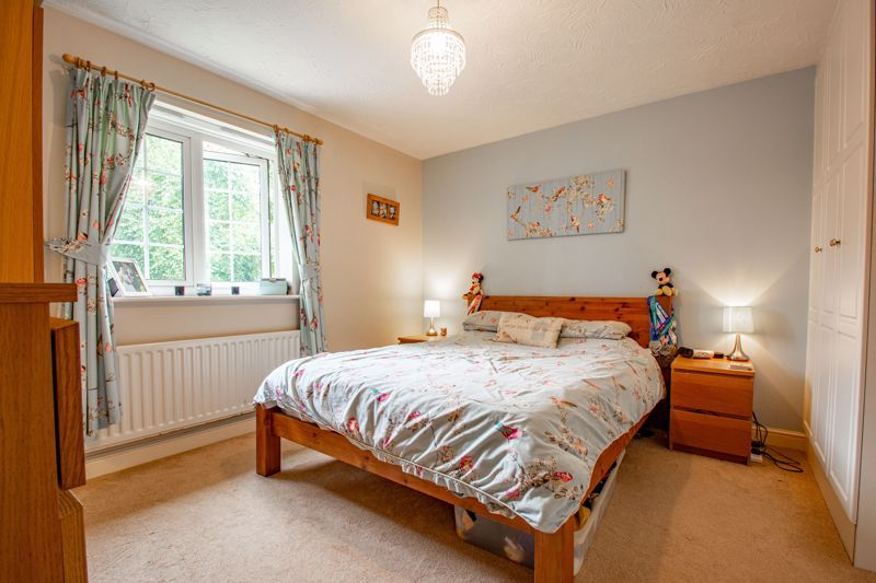 4 bed house for sale in Appletrees Crescent 7