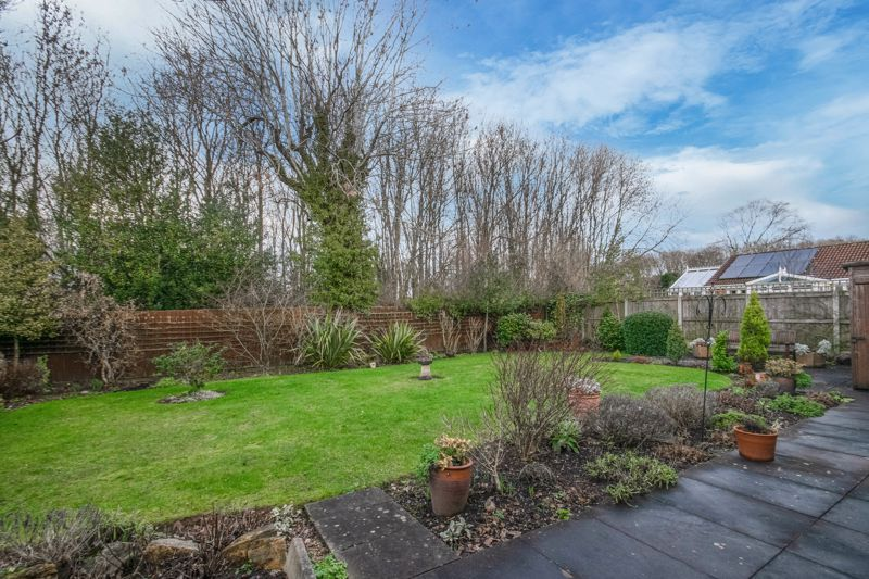 3 bed bungalow for sale in Partridge Lane 11
