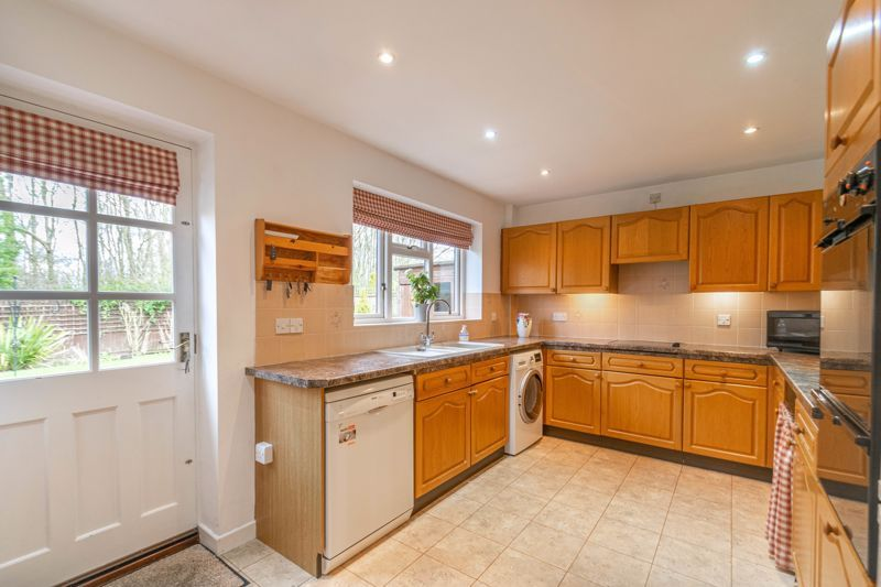 3 bed bungalow for sale in Partridge Lane  - Property Image 4