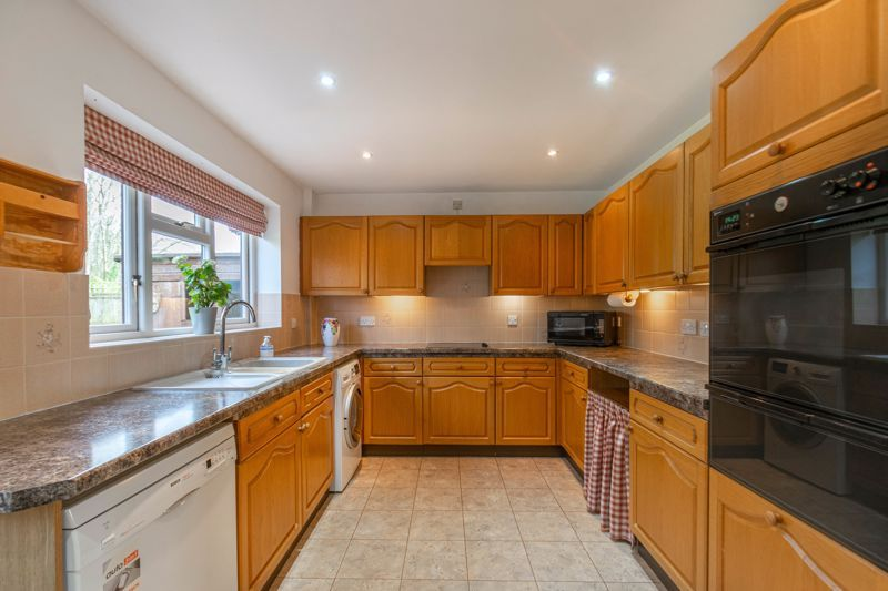 3 bed bungalow for sale in Partridge Lane  - Property Image 5