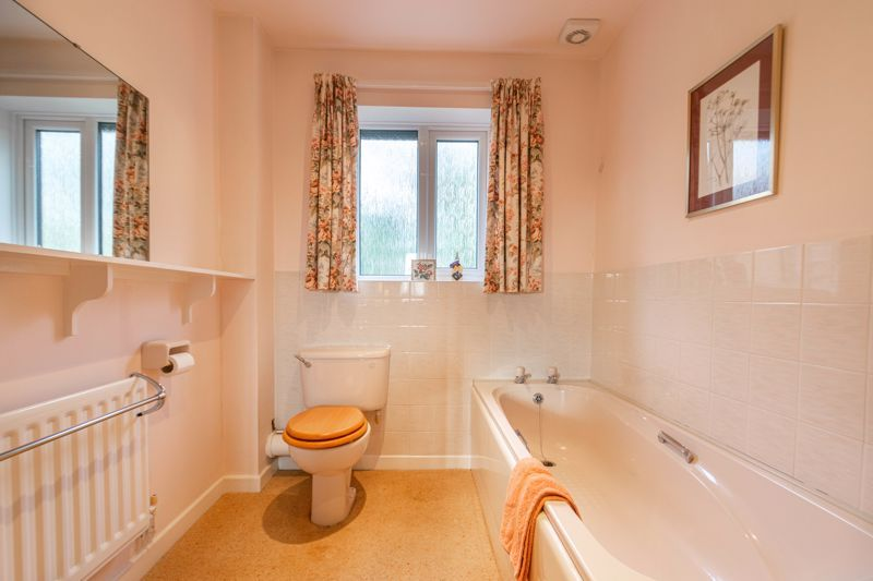 3 bed bungalow for sale in Partridge Lane 10
