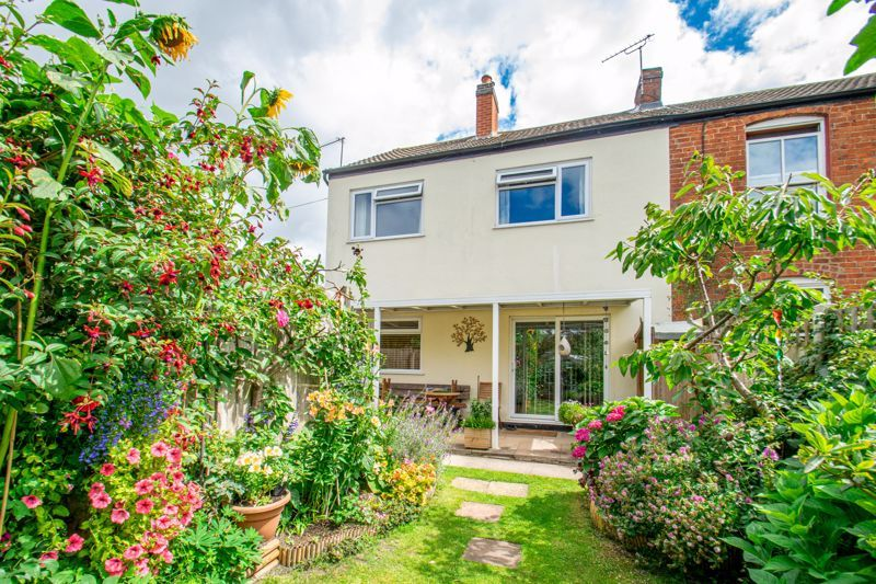 3 bed house for sale in New Road - Property Image 1
