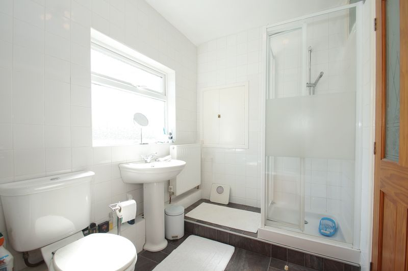3 bed house for sale in New Road 11
