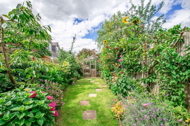 3 bed house for sale in New Road 13