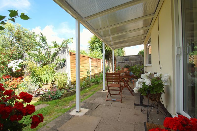 3 bed house for sale in New Road 14
