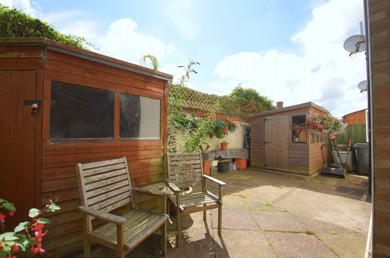 3 bed house for sale in New Road 16