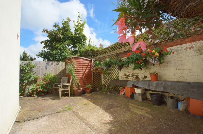 3 bed house for sale in New Road 17