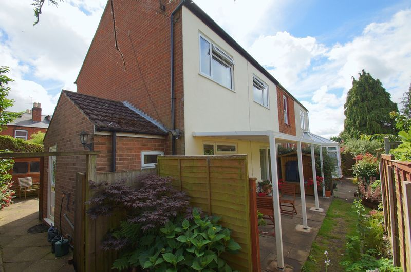 3 bed house for sale in New Road 19