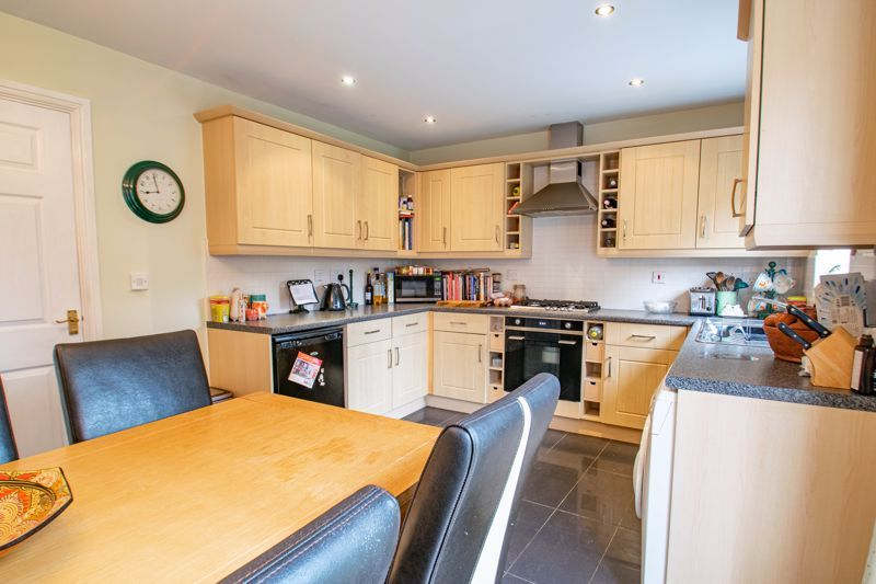 4 bed house for sale in Marlgrove Court  - Property Image 4