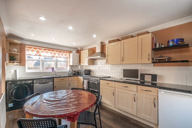 4 bed house for sale in Lily Green Lane 2