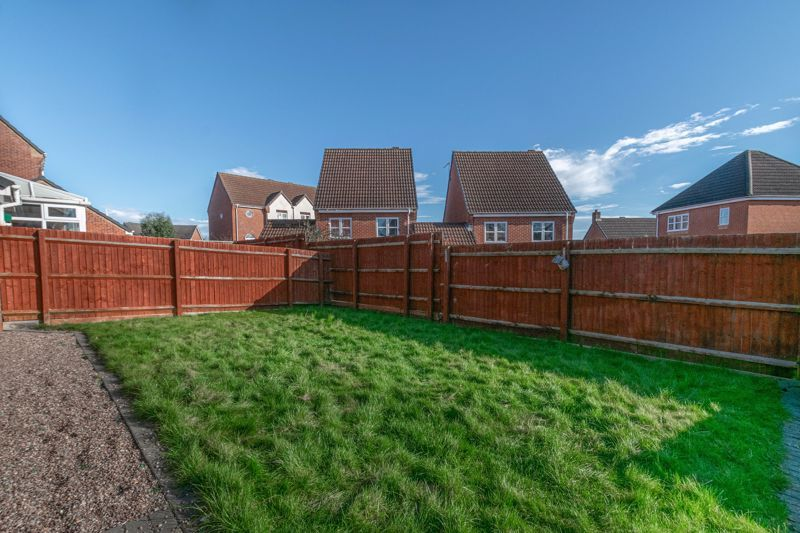 4 bed house for sale in Lily Green Lane 13