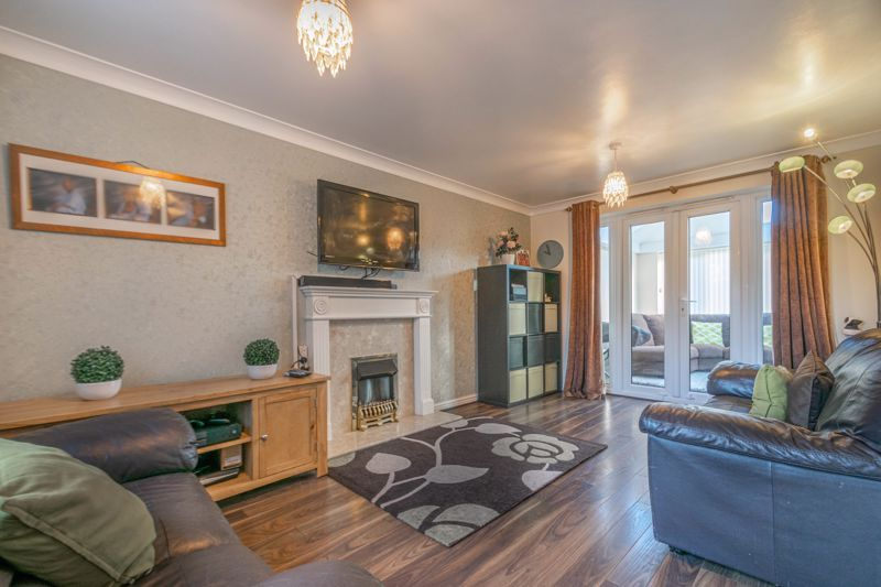 4 bed house for sale in Lily Green Lane 4