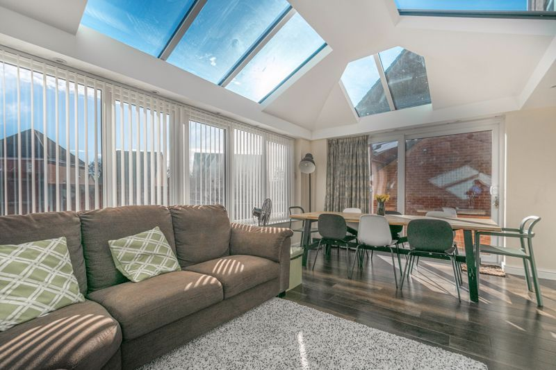 4 bed house for sale in Lily Green Lane 5