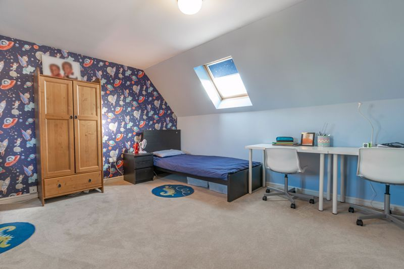 4 bed house for sale in Lily Green Lane 9