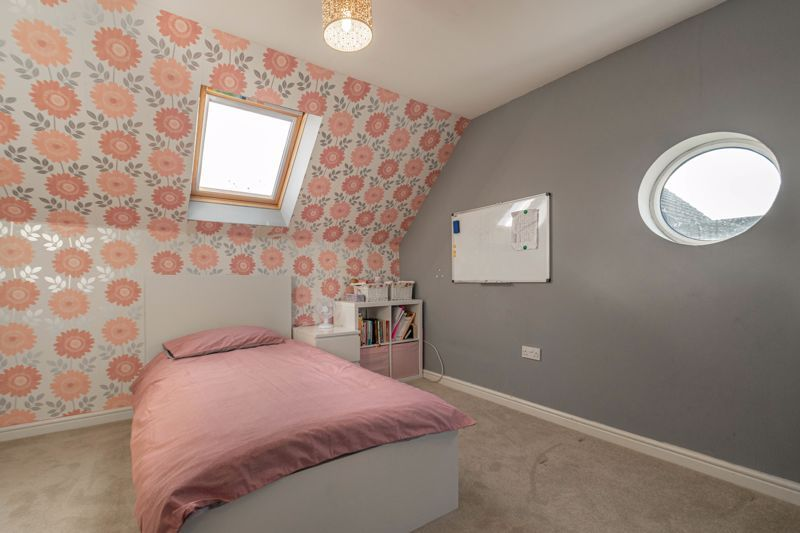 4 bed house for sale in Lily Green Lane 10