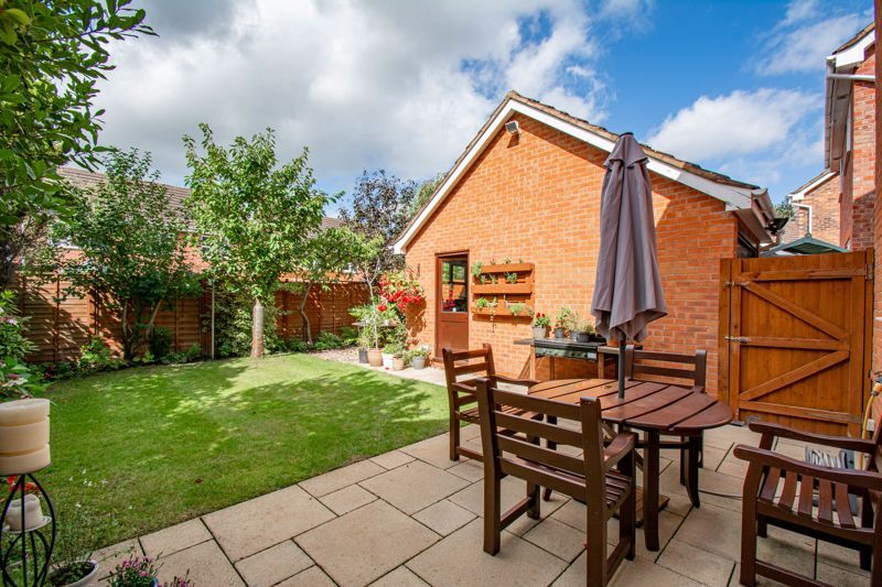 4 bed house for sale in Appletrees Crescent 17