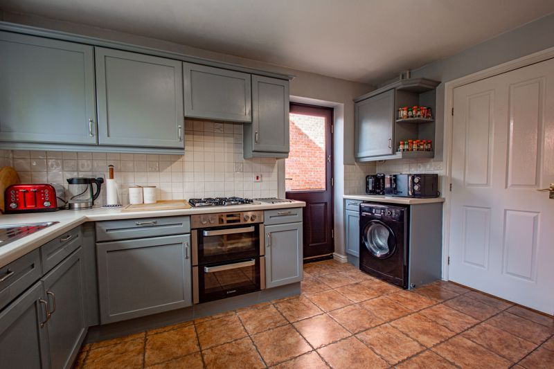 4 bed house for sale in Appletrees Crescent 18