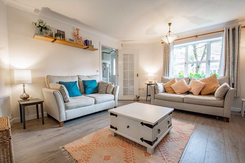 4 bed house for sale in Appletrees Crescent 4