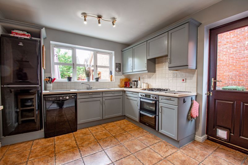 4 bed house for sale in Appletrees Crescent  - Property Image 7