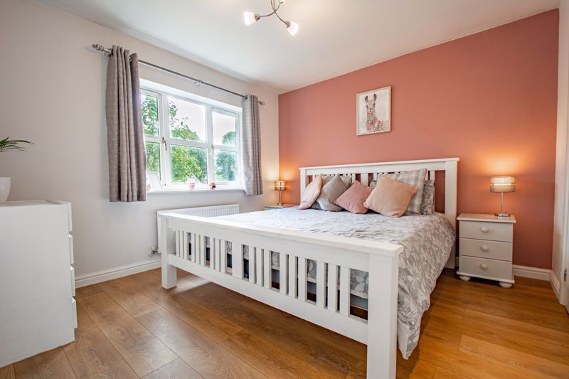 4 bed house for sale in Appletrees Crescent 8