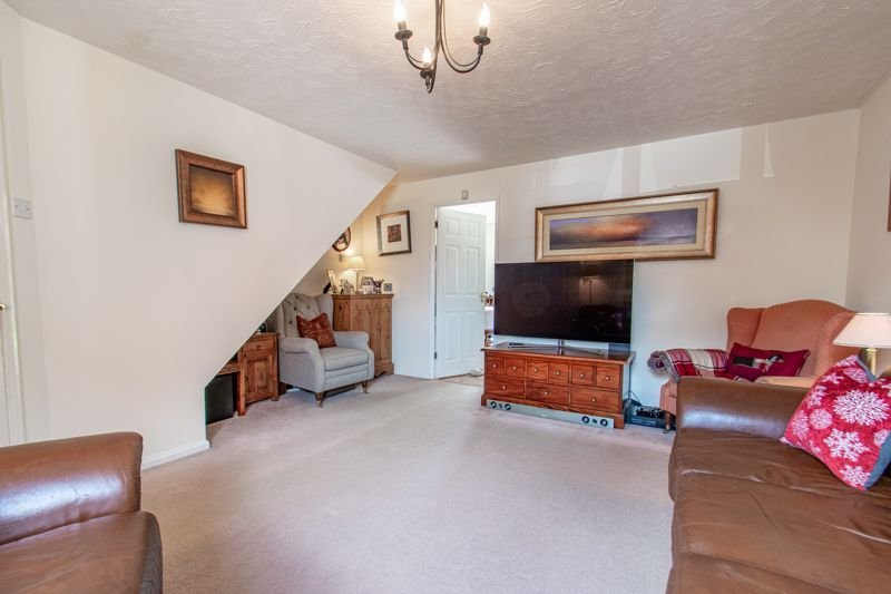 3 bed house for sale in Cleobury Close 6