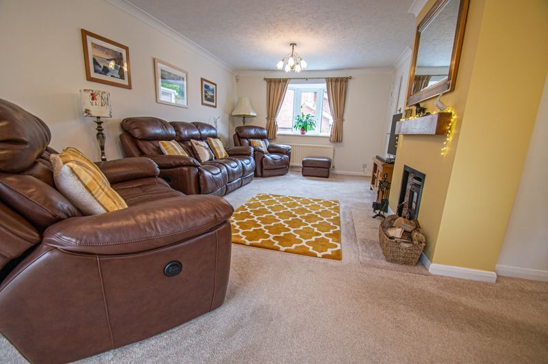 4 bed house for sale in Norbury Close 17