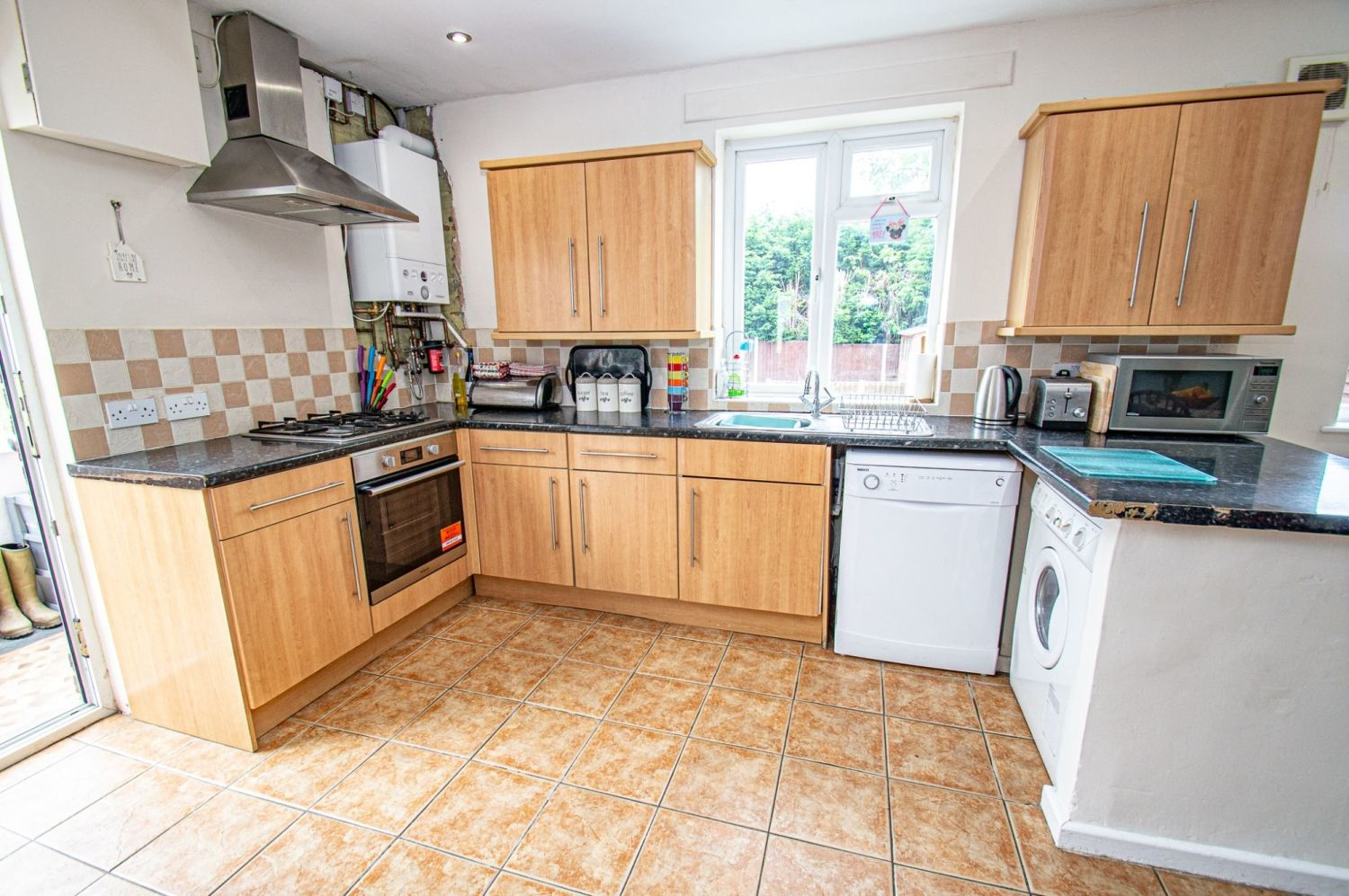 3 bed semi-detached for sale in Gauden Road, Wollescote 3