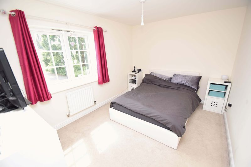 5 bed house for sale in Turntable Avenue  - Property Image 12