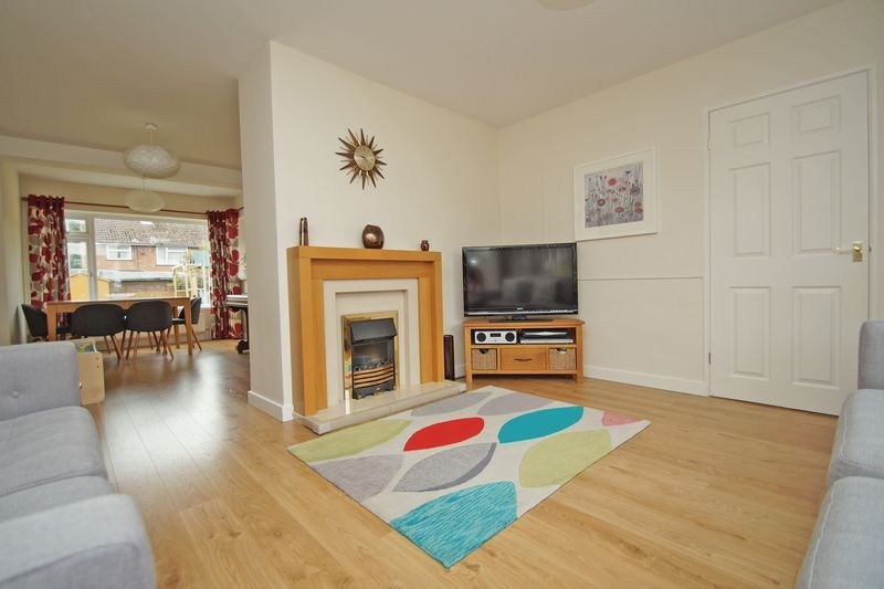 3 bed house for sale in Hopgardens Avenue  - Property Image 3