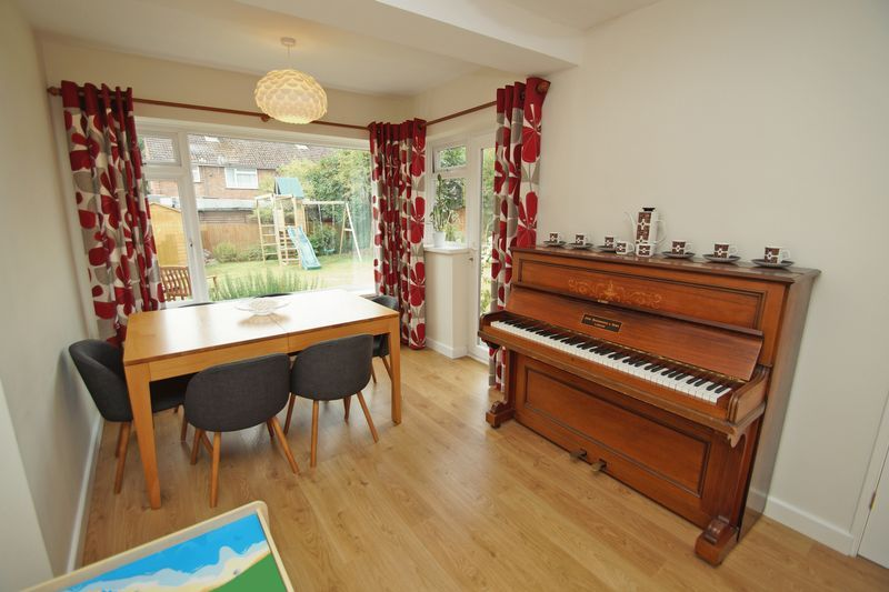 3 bed house for sale in Hopgardens Avenue  - Property Image 5