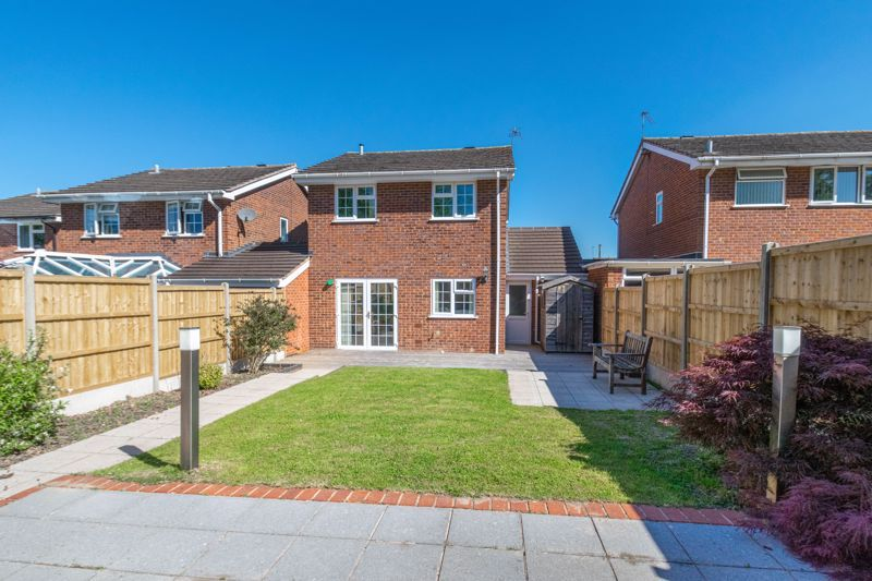 3 bed house for sale in Hollyberry Close  - Property Image 13