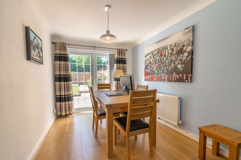 3 bed house for sale in Hollyberry Close 5