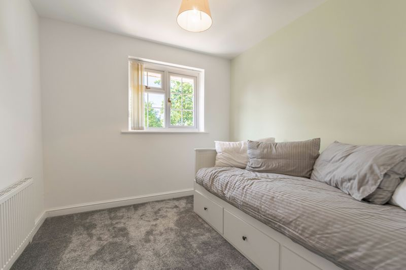 3 bed house for sale in Hollyberry Close 8