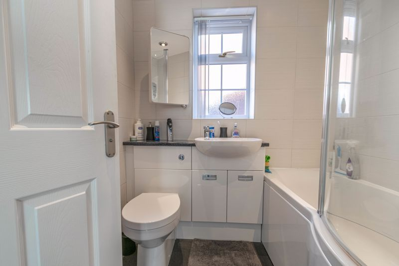 3 bed house for sale in Hollyberry Close 10