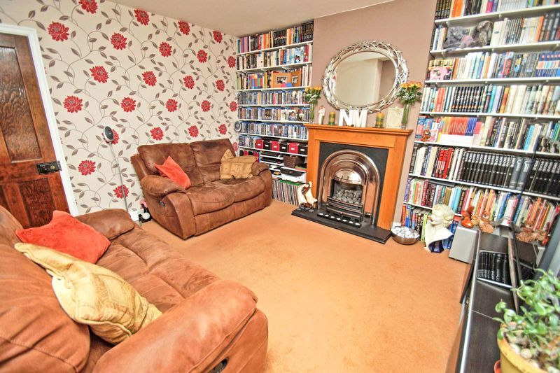 2 bed house for sale in Birmingham Road  - Property Image 3